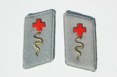 Red Cross Officers Collar Tab Set