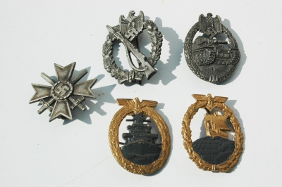Group of SOUVAL German WWII Medals