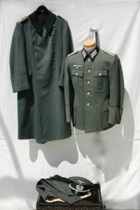 German WWII Army (HEER) Complete Uniform Set for a Medical Doctor